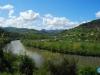 La loma junto al río